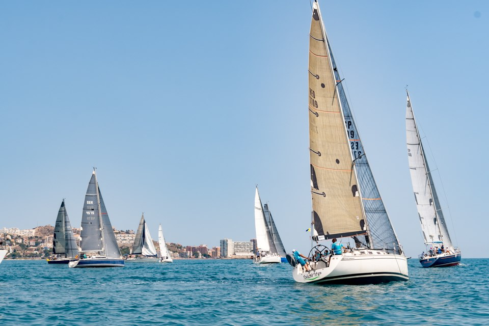 El Slainte-Visit Cullera se impone en la regata Cullera Esports